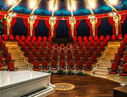 театры в Геленджике